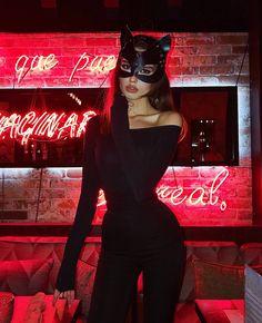 Last minute hot halloween costumes Costumes Sexy Halloween, Couples Halloween, Looks Halloween, Easy Costumes, Costumes For Women, Women Halloween, Halloween 2019, Playboy Bunny Costume Halloween, Diy Catwoman Costume