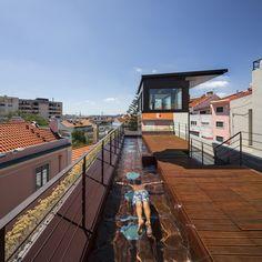dezeen_House-in-Travessa-do-Patrocinio-by-Luis-Rebelo-de-Andrade_9sq