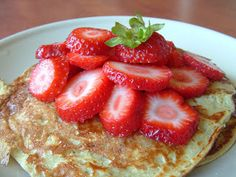 Kollégista Gurman: Banános palacsinta (lisztmentes, high-protein, low-carb) High Protein, French Toast, Oatmeal, Low Carb, Cooking, Breakfast, Food, France, The Oatmeal
