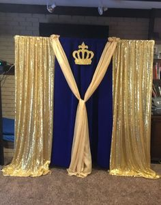 DIY Baby Shower Decor Ideas for Boys - Backdrops Blu and gold royal theme DIY Baby Sho Royal Theme Party, Royal Baby Shower Theme, Baby Shower Backdrop, Boy Baby Shower Themes, Baby Shower Parties, Baby Boy Shower, Prince Themed Baby Shower, Shower Party, Party Themes