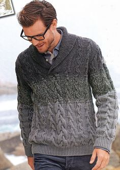 Beat the chilling weather and look fashionable with a black cardigan. Already preferred by both sexes, you know you are on the right track when you pull it off Hand Knitted Sweaters, Sweater Knitting Patterns, Hand Knitting, Knitted Shawls, Shawl Collar Sweater, Cable Sweater, Men Sweater, Outfits Casual, Mode Outfits