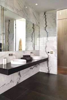 House On The Banks Of The River Thames Bathroom   Home Decorating Trends    Homedit
