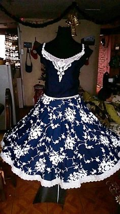 Square Skirt, Dance Outfits, Formal Dresses, My Style, Skirts, Vintage, Fashion, Folklorico Dresses, Templates