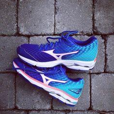 Running Shoes   Distance Runners   Women's Wave Rider 19   Mizuno USA