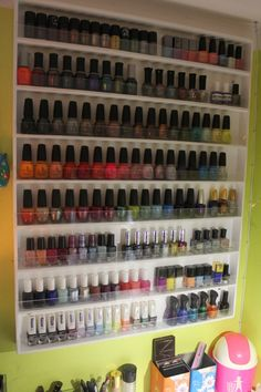 Yes!  This is an awesome nail rack.