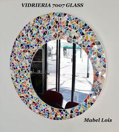 espejo circular con vidrios de colores