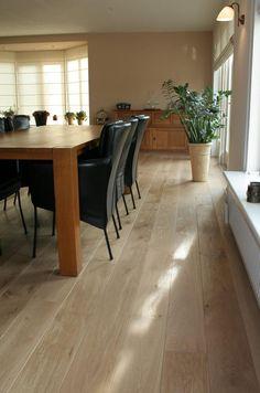 Preciosa tarima de madera www.tarimasdelmundo.com