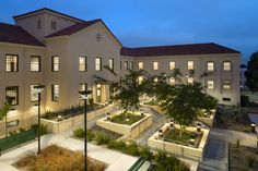In Los Angeles, Leo Daly designed Homeless Veterans Transitional Housing for the US Veterans Affairs service.
