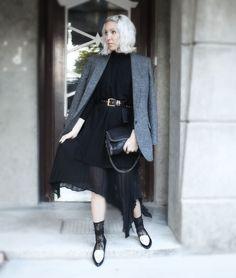 Socken in Loafern, Blazer, Plissee, The No Animal Brand, Asos, Kaschmir, Black, Lace, Stella McCartney, Look, lotd, Outfit, ootd, Streetstyle, Inspiration, Fashion, Blog, stryleTZ