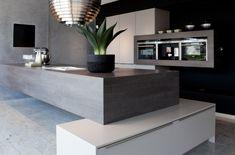 A little too modern for me, but I can still appreciate the cool design.  Moderne keuken   Au Four