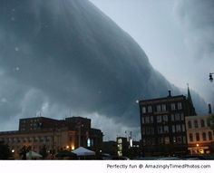 Amazing Roll cloud | Amazingly Timed Photos