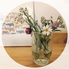 Der erste selbstgepflückte Blumenstrauß  #muttergefühle #familienzeit