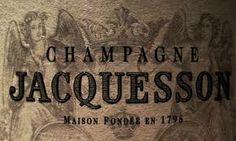 """Champagne Jacquesson La Revue du Vin de France hat Jacquesson & Fils zu den drei besten Champagner-Häusern Frankreichs erkoren: """"Jacquesson - obwohl nur zu den kleinen Häusern zählend, hat sich seinen rechtmäßigen Platz in den ersten Rängen der Champagnerproduzenten redlich verdient."""""""