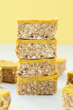 Eat Good 4 Life Superfood Lemon Bars. Gluten free and vegan. Super easy to make and done in just 15 minutes. Great for a post workout snack.