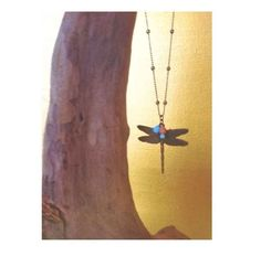 Collar libélula de oro viejo con bolitas rosa, azul y verde. marandrainfo@gmail.com