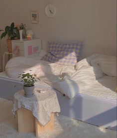Cute Room Ideas, Cute Room Decor, Dream Rooms, Dream Bedroom, Room Ideas Bedroom, Bedroom Decor, Small Room Bedroom, Bedroom Inspo, Small Rooms