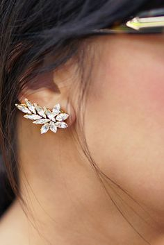Crystal Ear Cuff | 41 Amazing Free People-Inspired DIYs