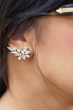 Crystal Ear Cuff   41 Amazing Free People-Inspired DIYs