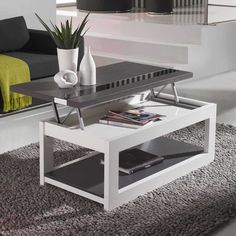 La table basse Zamora est très pratique grâce à son plateau relevable. I had a table very similar to this and it was GREAT - very convenient thing to have as a coffee table. Lift Up Coffee Table, Storage Ottoman Coffee Table, Design Tisch, Small Spaces, Woodworking, Desk, Living Room, Furniture, Home Decor