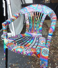 tropical painted chair - painted with Sharpies! Hand Painted Chairs, Whimsical Painted Furniture, Hand Painted Furniture, Funky Furniture, Recycled Furniture, Paint Furniture, Unique Furniture, Furniture Makeover, Painted Tables