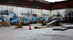 Skate Ramp, New Skate, Urban City, Longboarding, Skateboarding, Graffiti, Park, Google Search, Building