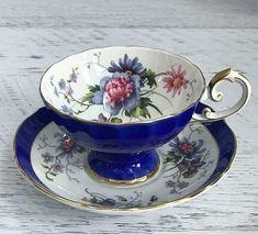 Tea Cup Set, Cup And Saucer Set, Tea Cup Saucer, Tea Sets, Vintage Cups, Vintage Dishes, Vintage Tea, Coffee Cups And Saucers, Teapots And Cups