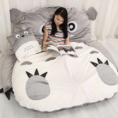 Like a kangaroo, cuddle in and up to your very own Totoro while you relax, read and watch TV or take a nap. He comes filled with an extremely soft padding for the ultimate level of comfort. Double Bed Size, Double Beds, Bean Bag Bed, Bean Bag Chair, Studio Ghibli, My Neighbor Totoro, Bed Sizes, Dream Rooms, Sleeping Bag