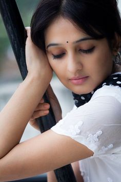 Cine World: Images of Indian Beauties Beautiful Girl In India, Beautiful Indian Brides, Most Beautiful Faces, Beautiful Girl Image, Beautiful Indian Actress, Beautiful Gorgeous, Beautiful Celebrities, Beautiful Actresses, Beautiful Ladies