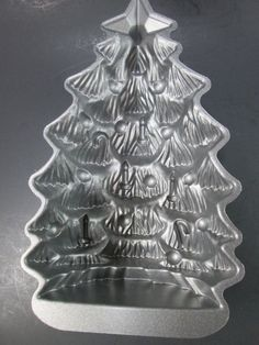 Nordic Ware Christmas Tree Cake Pan Aluminum 4.5 Cup Mold