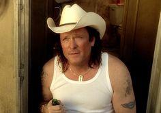 Kill Bill 2 - Budd in his trailer