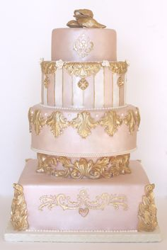Pink, Pearl & Gold Wedding Cake -