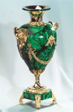 Russian Vase malachite, bronze. Height of 400 mm.