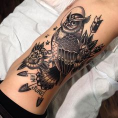 48 Ideas Tattoo Traditional Old School Owl Great Tattoos, Trendy Tattoos, Small Tattoos, Tattoos For Guys, Tattoos For Women, Awesome Tattoos, Music Tattoos, Rose Tattoos, Tatoos