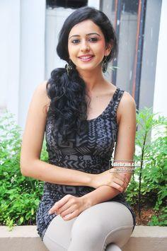 Rakul Preet Singh photo gallery - Telugu cinema actress Indian Actress Pics, South Indian Actress, Indian Actresses, Beautiful Bollywood Actress, Most Beautiful Indian Actress, Beautiful Actresses, Beauty Full Girl, Cute Beauty, Allu Arjun Hairstyle