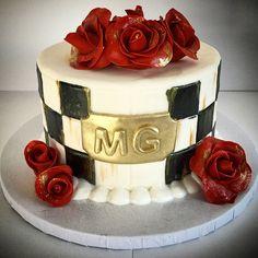 #cake #makenziechilds #checkers #roses #gold #blackandwhite #elegance #classic #sinfulsweets #birthday