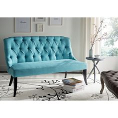 """""""- A pop of aqua blue for the living room?  Yes please!! What do you think of the #Safavieh Valerie Settee shown here?  #LooksLikeSomeonesDecorating…"""""""