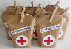 Eigentlich sol… But now I've been pregnant with my idea long enough! Actually, these nice emergency bags should be ready for Easter! Emergency Bag, Diy And Crafts, Paper Crafts, Present Wrapping, Christmas Love, Inspirational Gifts, Little Gifts, Diy Gifts, Stampin Up