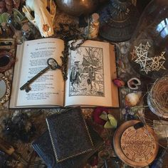 Yes I am a witch, yes I practice witchcraft, and no I am not wiccan. I am an eclectic Pagan and wish. Witch Craft, Photos Amoureux, Yennefer Of Vengerberg, Talisman, Baba Yaga, Witch Aesthetic, Practical Magic, Magic Spells, Book Of Shadows