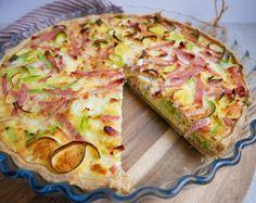 Greek Recipes, Italian Recipes, Danish Recipes, Danish Food, Tater Tots, Hawaiian Pizza, Pesto, Hummus, Cabbage