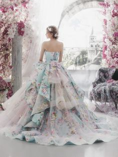 """tullediaries: """""""" Princess-worthy Ball Gowns That Define Regal Elegance―Stella de Libero If you want to look and feel like a princess on your special day, a timeless ball gown with a touch of regal. Evening Dresses, Prom Dresses, Formal Dresses, Elegant Dresses, Pretty Dresses, Bridal Gowns, Wedding Gowns, Fantasy Dress, Ball Gowns Fantasy"""