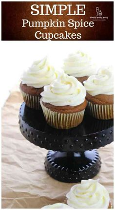 Pumpkin and spice flavored cupcakes topped with a harmonious cream cheese frosting - perfection! Cupcakes With Cream Cheese Frosting, Yummy Cupcakes, Flavored Cupcakes, Cupcake Recipes, Cupcake Cakes, Dessert Recipes, Pumpkin Spice Cupcakes, Pumpkin Dessert, Easy Party Food