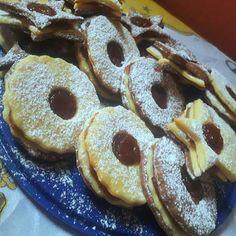 Eperlekváros kétszínű linzer recept Doughnut, French Toast, Pancakes, Paleo, Breakfast, Food, Morning Coffee, Essen, Pancake