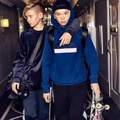 Men's Ideas to Dress Up Casually Jake Paul Wallpaper, Marcus Y Martinus, World Trends, Celebrity Singers, Gym Workout For Beginners, Boy Hairstyles, Luxury Watches For Men, Great Friends, Mannequin