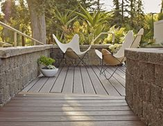trex-decking-butterfly-chairs-remodelista-hero