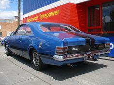 Holden HT Monaro, nice blue and black paint Man Cave Gear, Car Man Cave, General Motors Cars, Holden Monaro, Australia Kangaroo, Aussie Muscle Cars, Australian Cars, Hot Cars, Cars Motorcycles