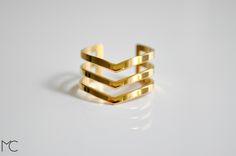 Vergoldete Chevron Triple Mittlerer Ring von Maria Corcuera jewelry + design auf DaWanda.com