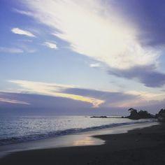 穏やかな #夏の夕暮れ  静かな #波  今日もお疲れ様でしたー 明日もがんばろ #立石公園 #湘南 #横須賀 #神奈川 #ビーチ #海岸 #サンセット #秋谷海岸  #tateishipark #akiyabeach #shonan #yokosuka #kanagawa #japan #sunsets