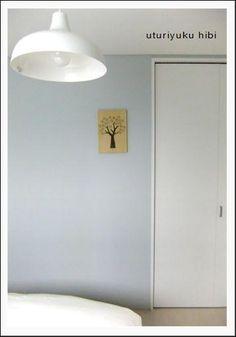 息子の部屋。ブルーグレーの壁紙の色について|うつりゆく日々... Massage Room, Kid Spaces, House Rooms, Home Bedroom, Wall Colors, Home Renovation, Room Interior, House Plans, Kids Room