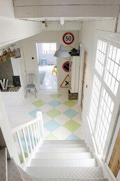Industrial and yet vintage interior design. Bonita y atrevida combinación de pavimentos
