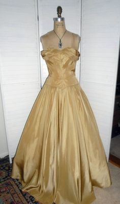 1940s Vintage Dress Gold Gown Taffeta Shelf Bust by badgirlvintage, $200.00 Wish I found this for my grad...